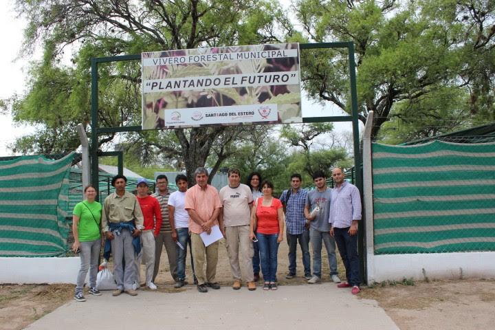 Facultad de ciencias forestales unse capacitaci n en for Construccion de viveros